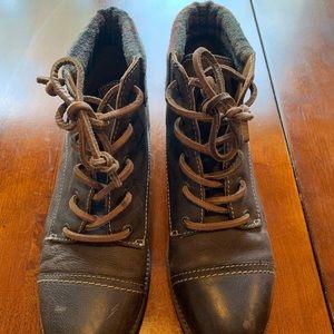 Sperry ladies' romper boots